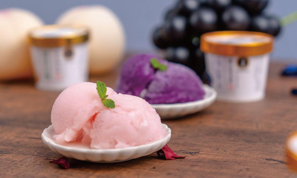 清水白桃とピオーネアイス
